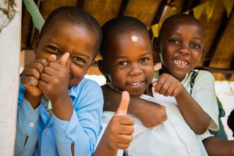 tongabezi school kids