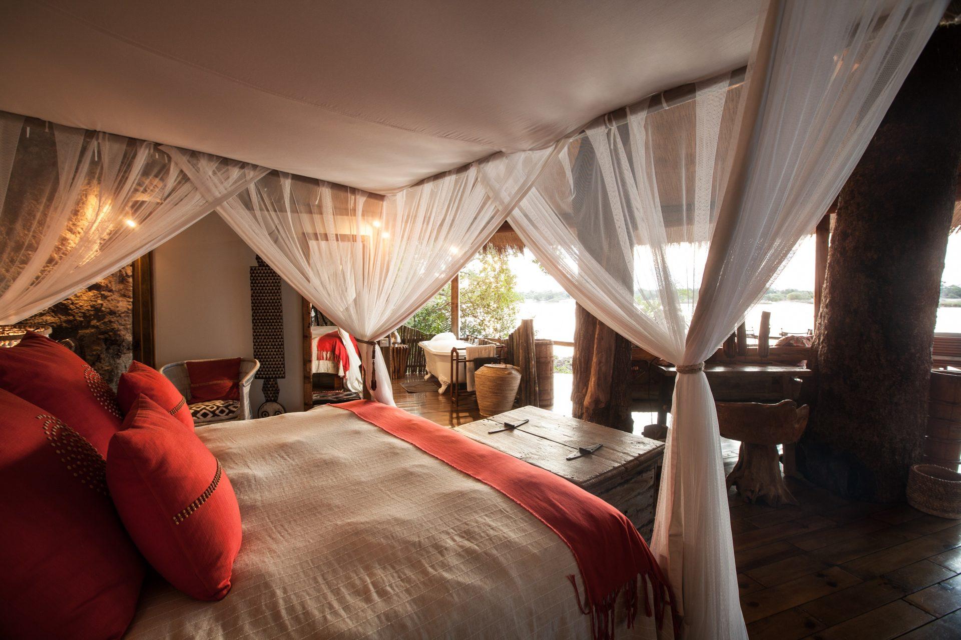 Tongabezi treehouse overlooking Zambezi River for luxury tree house holidays